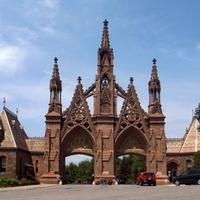 Hatalmas károkat okoztak a vandálok a híres temetőben