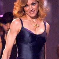 Madonna Auschwitzba is ellátogat