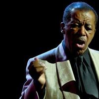 Meghalt a legendás amerikai énekes