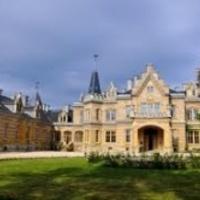 Itt a másfél milliárdos magyar kastély