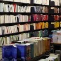 Éjjeli zűrzavar a könyvesboltban