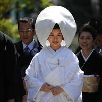 Hódít az egyszemélyes esküvő Japánban
