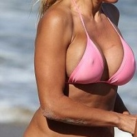 A kebelcsoda még most is jól mutat a tengerparton