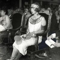 Az olasz királyné a diktátorral kavart