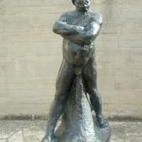 Elloptak egy Rodin-szobrot