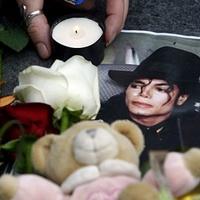 Még mindig nem hagyják békében nyugodni Michael Jacksont
