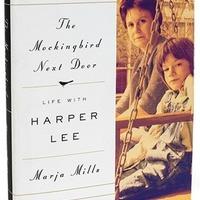 Ellentétek az amerikai írónő életrajza körül