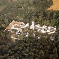 Turisztikai központ lesz a néma szerzetesek otthonából