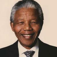 Szuperkoncerttel köszöntik a 90 éves élő ikont