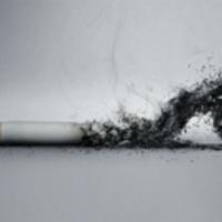 Újabb korlátozások nehezítik a dohányosok életét
