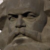 Mulass jókat Marx Tőkéjén!