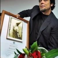 A bohém színész nagy bulit csinált a hivatalos ceremóniából