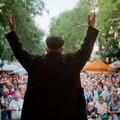 Az utcára költöznek a budapesti színészek és írók