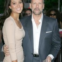 Ezt a nőt vette el Bruce Willis