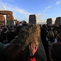 Tízezrek ünnepeltek a Stonehengnél