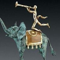 Elárverezik Dalí elefántját