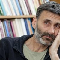 Pál Ferenc, a stand up komédiás pap sorsról és önismeretről Sepsiszentgyörgyön