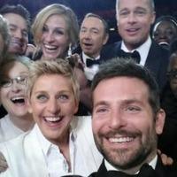 Hadat üzent a szelfinek Cannes