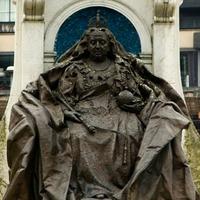 Női szobrot kap Manchester