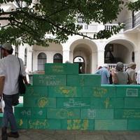 Budapest hirtelen emlékművei