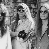 Visszatér a '90-es évek rocklegendája!