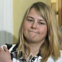 Osztrák döbbenet: Natascha Kampusch levetkőzne