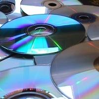 Forradalmi újítás: tízezer film is elfér az ultra DVD-lemezen