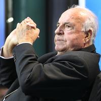 Pert nyert Helmut Kohl