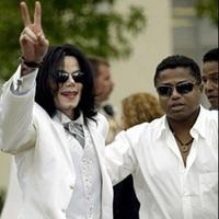 Michael Jackson testvére védelmébe vette brutális apjukat