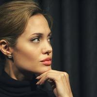 Autóbalesetet szenvedett Angelina Jolie