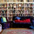 Egy lakásban rejtőzik a kritikusan gondolkodók könyvtára