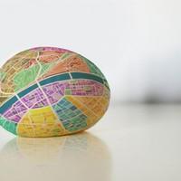 Furcsa tojások lepik el Budapestet