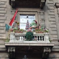 Címeres magyar zászló és Miki egér