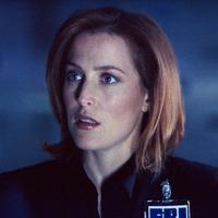 Scully ügynök sci-fit ír