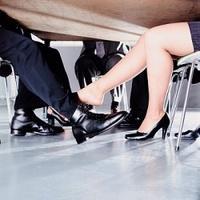 A női vonzerő komoly segítség az üzletben is