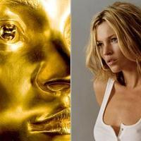 Ötven kilónyi színarany Kate Moss