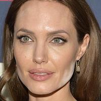 Kitüntették Angelina Jolie-t