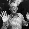 Budapesten lép fel a neurotikus művész