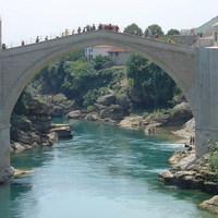 Cirkuszi fesztivállal avatják újra a mostari Öreg hidat
