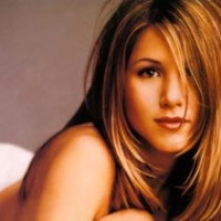 Jennifer Aniston még mindig haragszik Jolie-ra