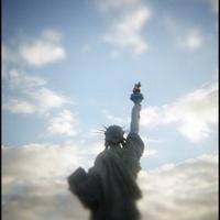 Nahát! Átköltöztetik a Szabadság-szobrot!!