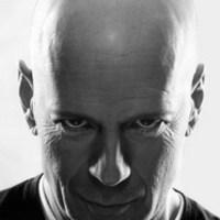 Cserbenhagyta társait Bruce Willis?