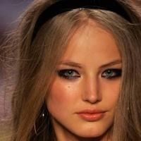 Tragédia! Szerelmi bánat miatt lett öngyilkos a gyönyörű modell