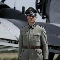 Lefújták Cruise Hitler-filmjének premierjét