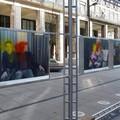 Botrány a fővárosban: megrongálták a képeket