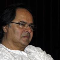 Elhunyt Farooq Sheikh