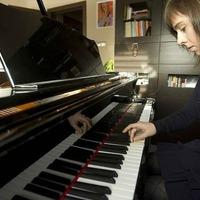 Hét év börtönnel fenyegették a zongoristát