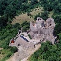 Újra ostrom alatt a híres vár