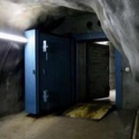 Mi történjen a svájci szuper-bunkerekkel?