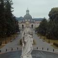 Premier előtt látható a Szent Ignác útja